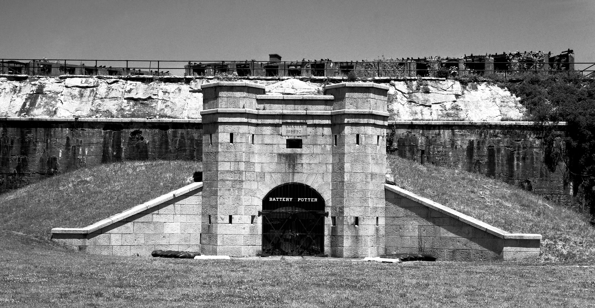 4x5_for_365_project_0177_Fort_Hancock_battery_potter.png