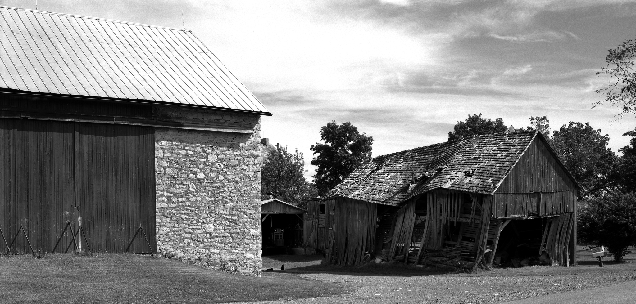 4x5_for_365_project_0279_Oley_falling_barn.png