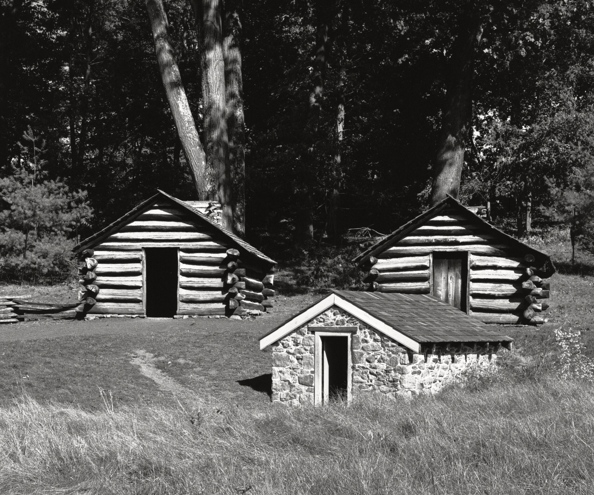 4x5_for_365_project_0287_Valley_Forge_NHS_washingtons_guard_cabins.png