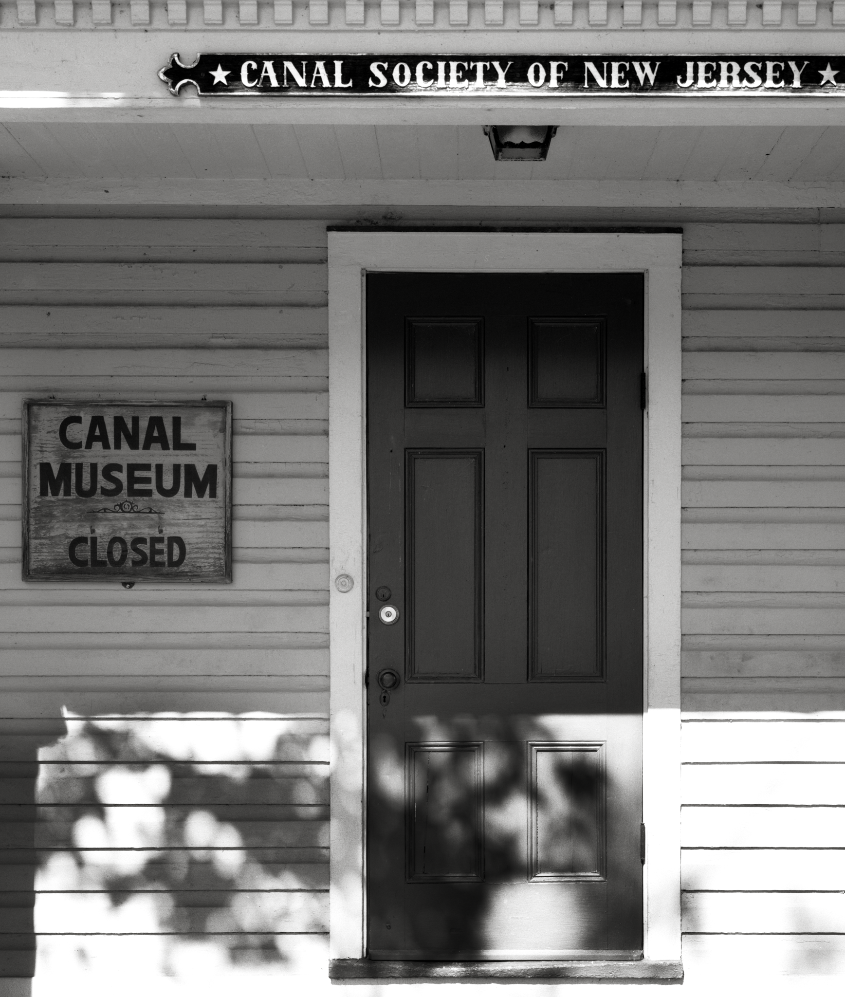 4x5_for_365_project_0292_Waterloo_Village_canal_society_of_nj_door.png