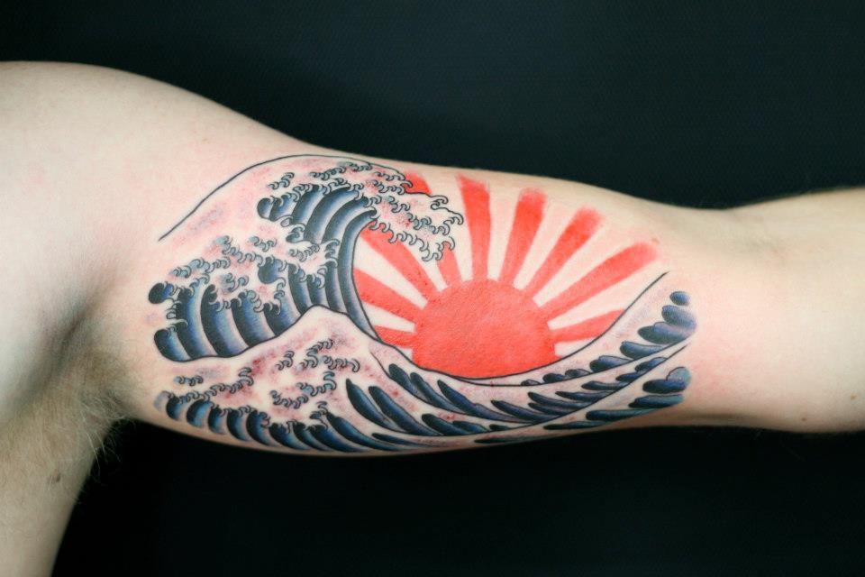 Wave tattoo Rhys Gordon Sydney tattoos.jpg