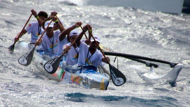 Team EDT Tahiti . . .