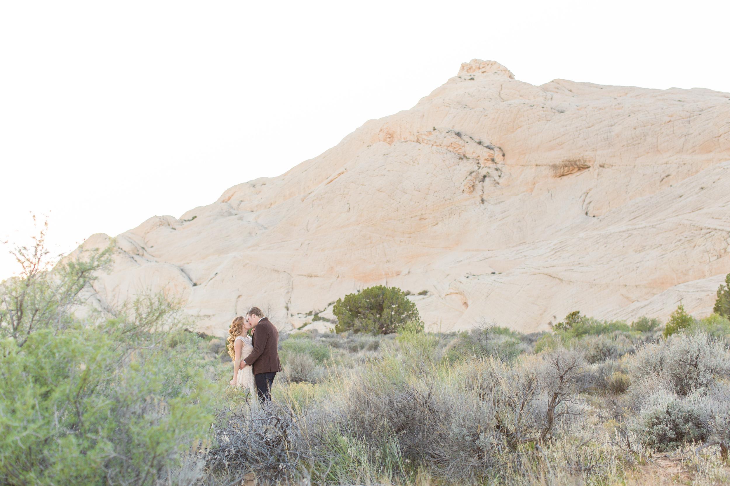 DesertStyledShootTylerRye (137 of 194).jpg