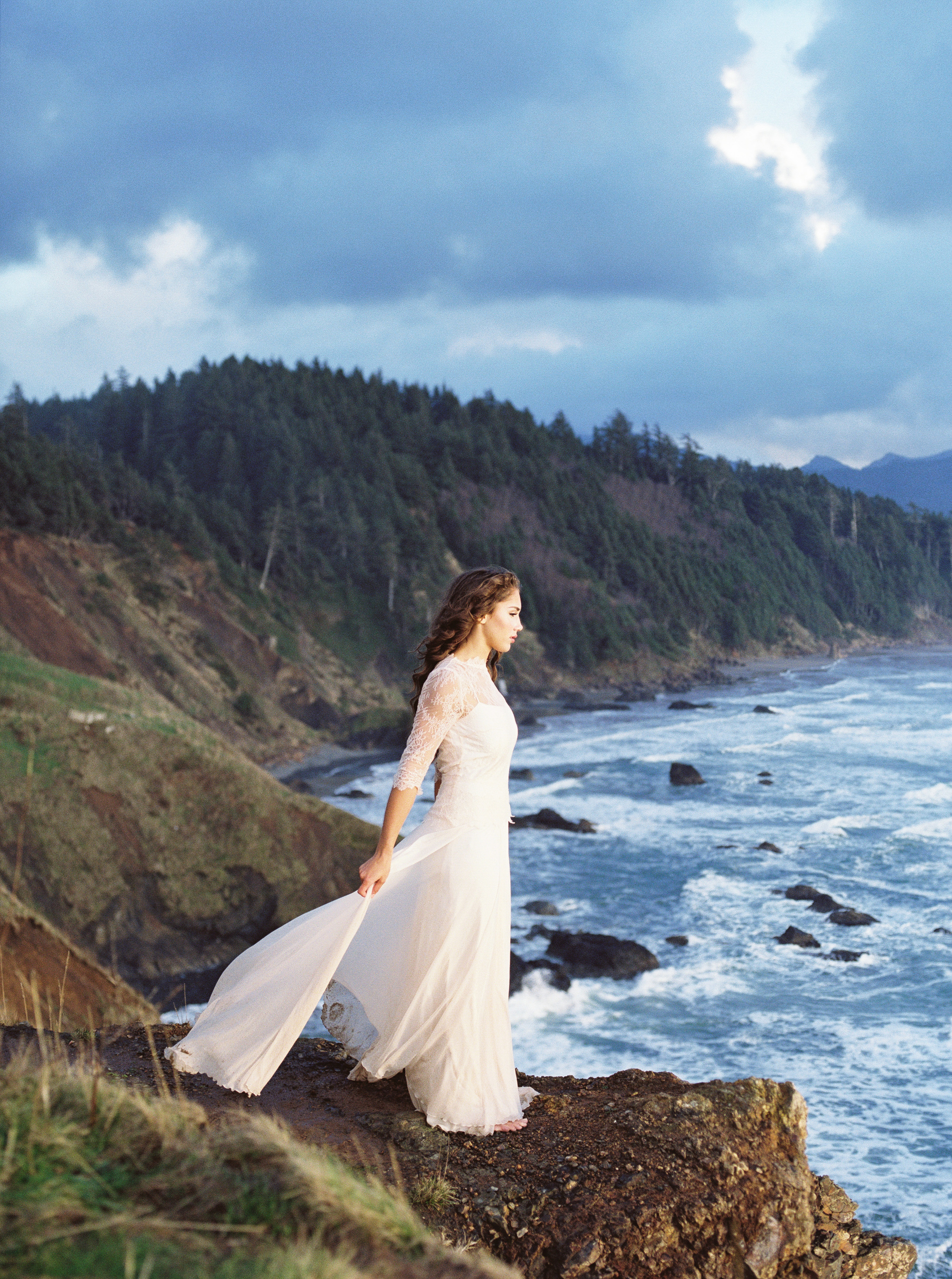 OregonCoastBridalsfilm (9 of 18).jpg