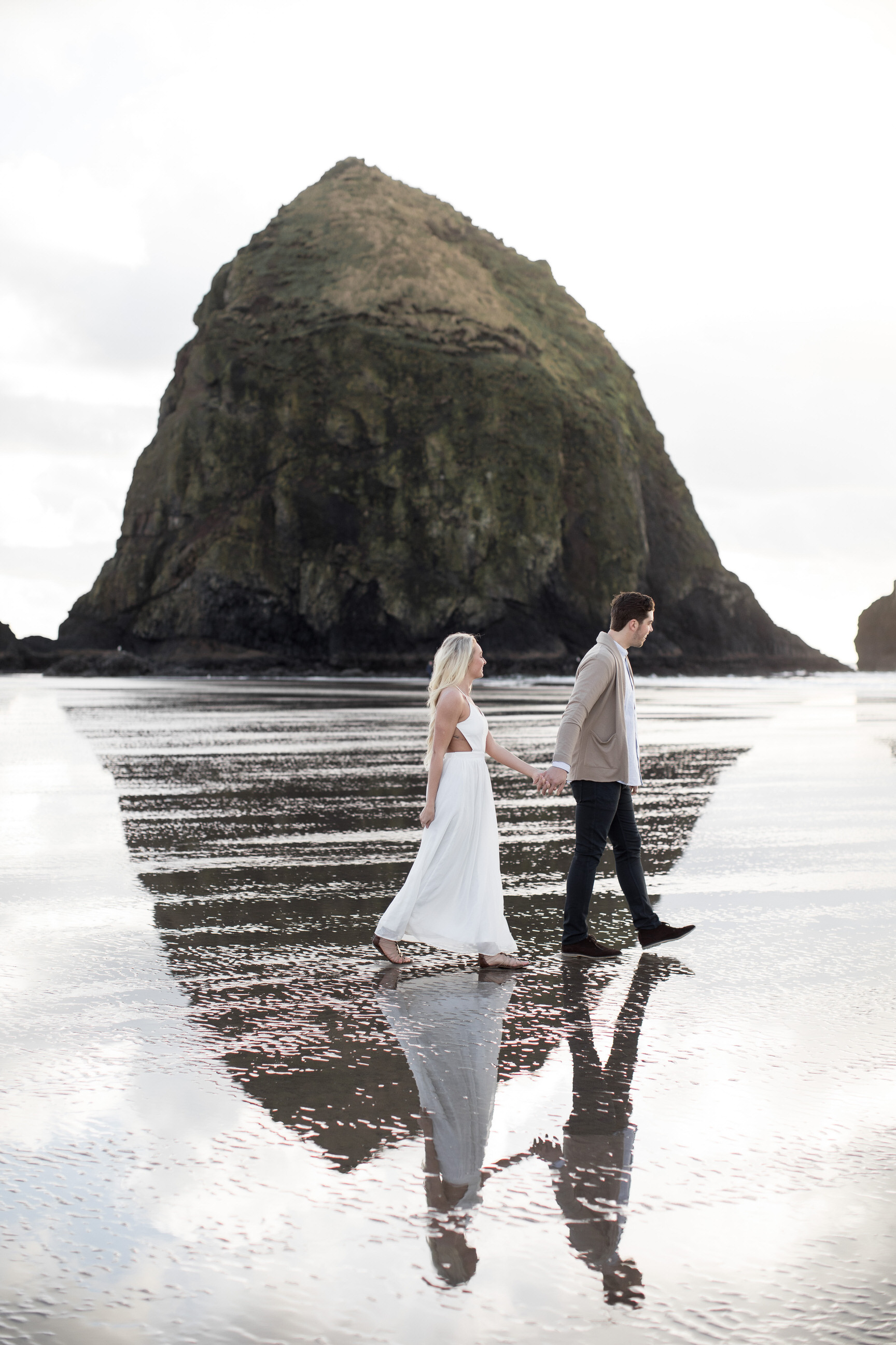 CANNONBEACHENGAGEMENTS (10 of 58).jpg