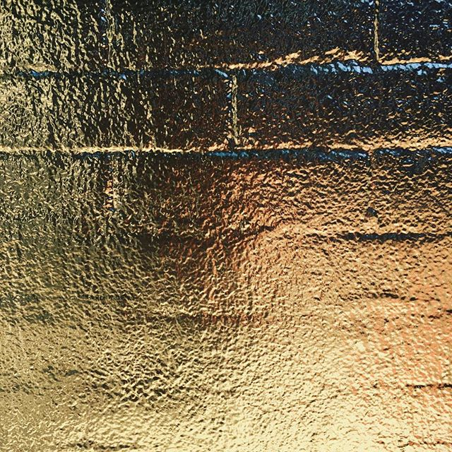 Gold brick. #mural #isometric #geometricart #muralonmott #thebeautywishlist #streetart #spacenk #soho #nyc