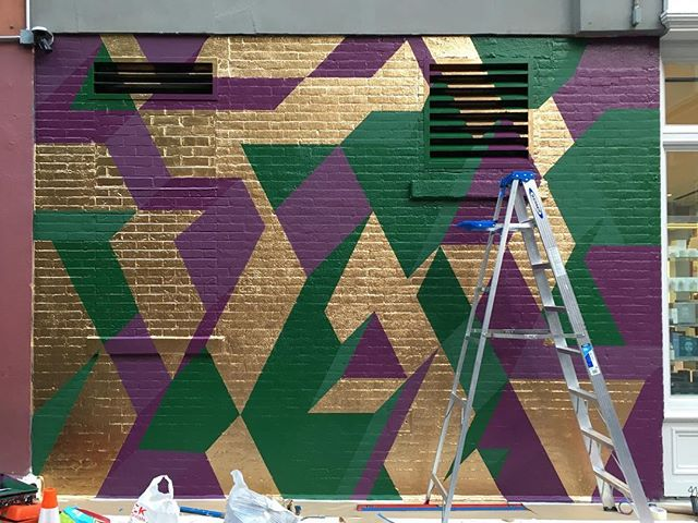 Almost done #mural #isometric #geometricart #muralonmott #thebeautywishlist #spacenk #streetart