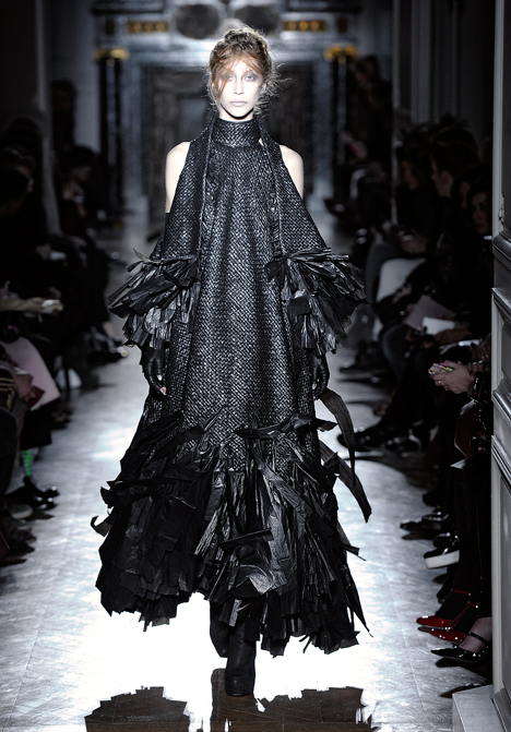 dezeen_Autumn-Winter-2013-collection-by-Gareth-Pugh_10.jpg