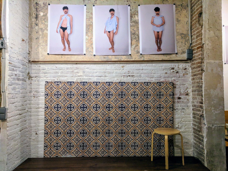 """Installation shot of """"Muy Serio"""" by Carlos Maria Romero at Bar Rufián, 2018."""