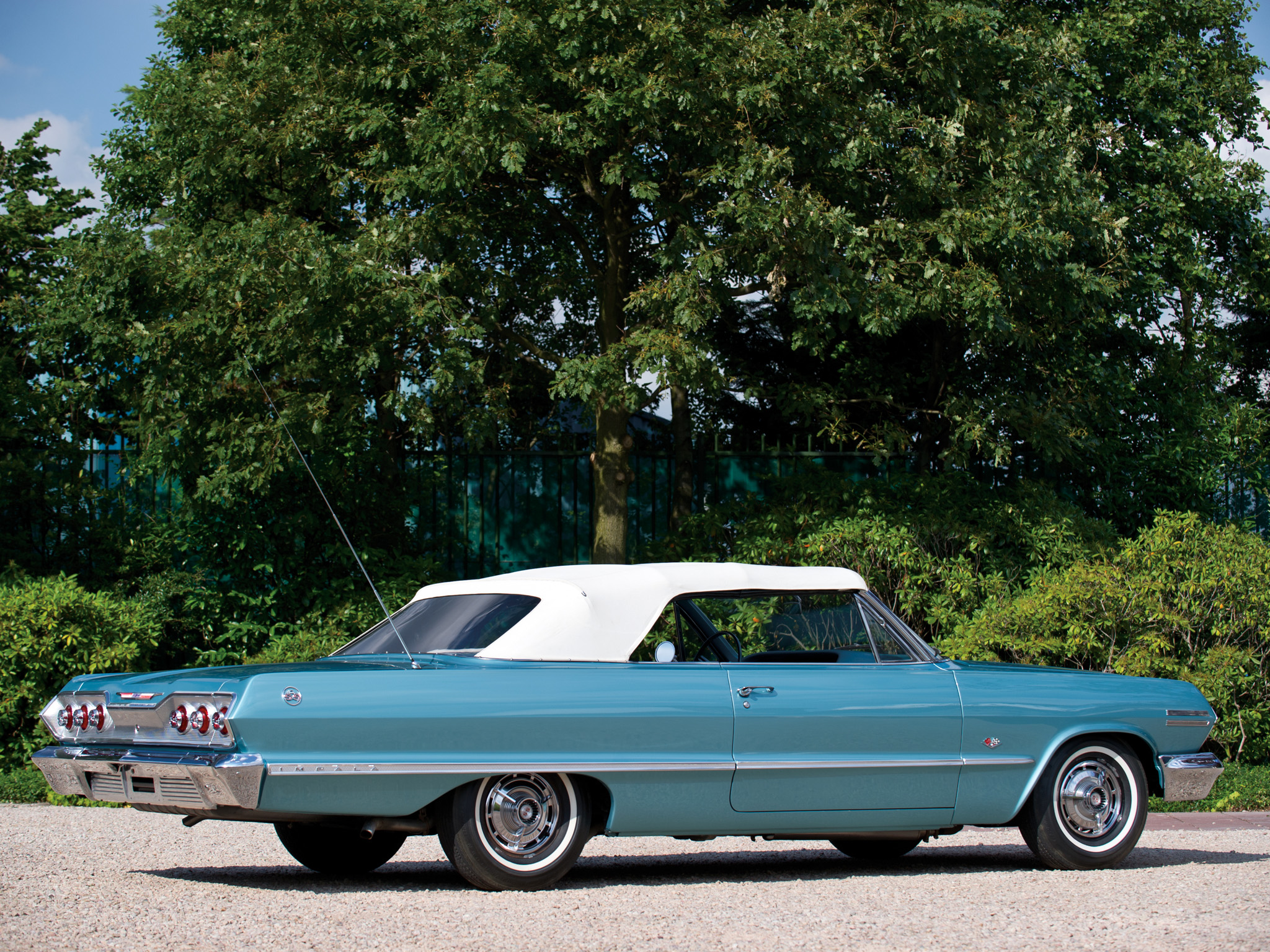 1963-chevrolet_impala_convertible-02.jpeg