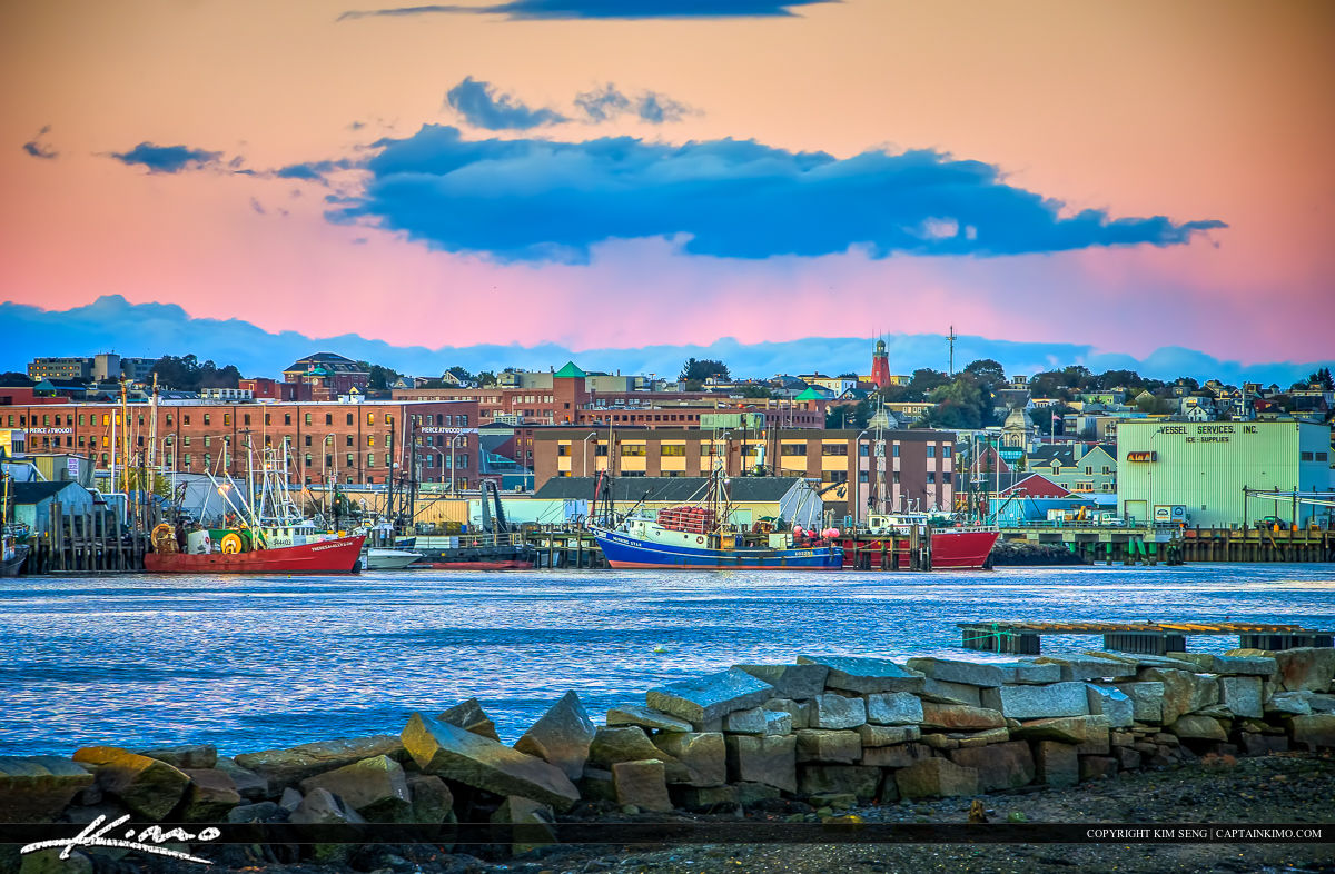x021x-Maine-Harbor-in-Portland-along-the-Marina-Docks.jpg