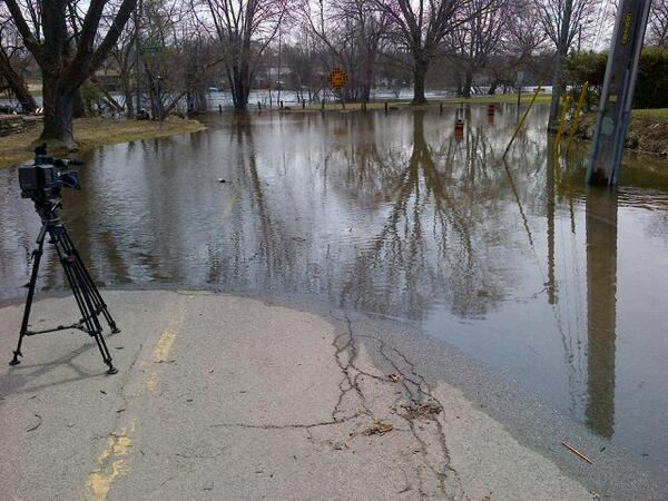 Lock St closed at King George St. & McKellar St. due to flooding, pic via @TVCPtbo