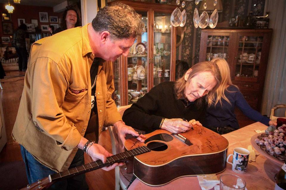 Karl Lawson and Gordon Lightfoot (photo by Eric Kelso Mckibbon, Facebook)