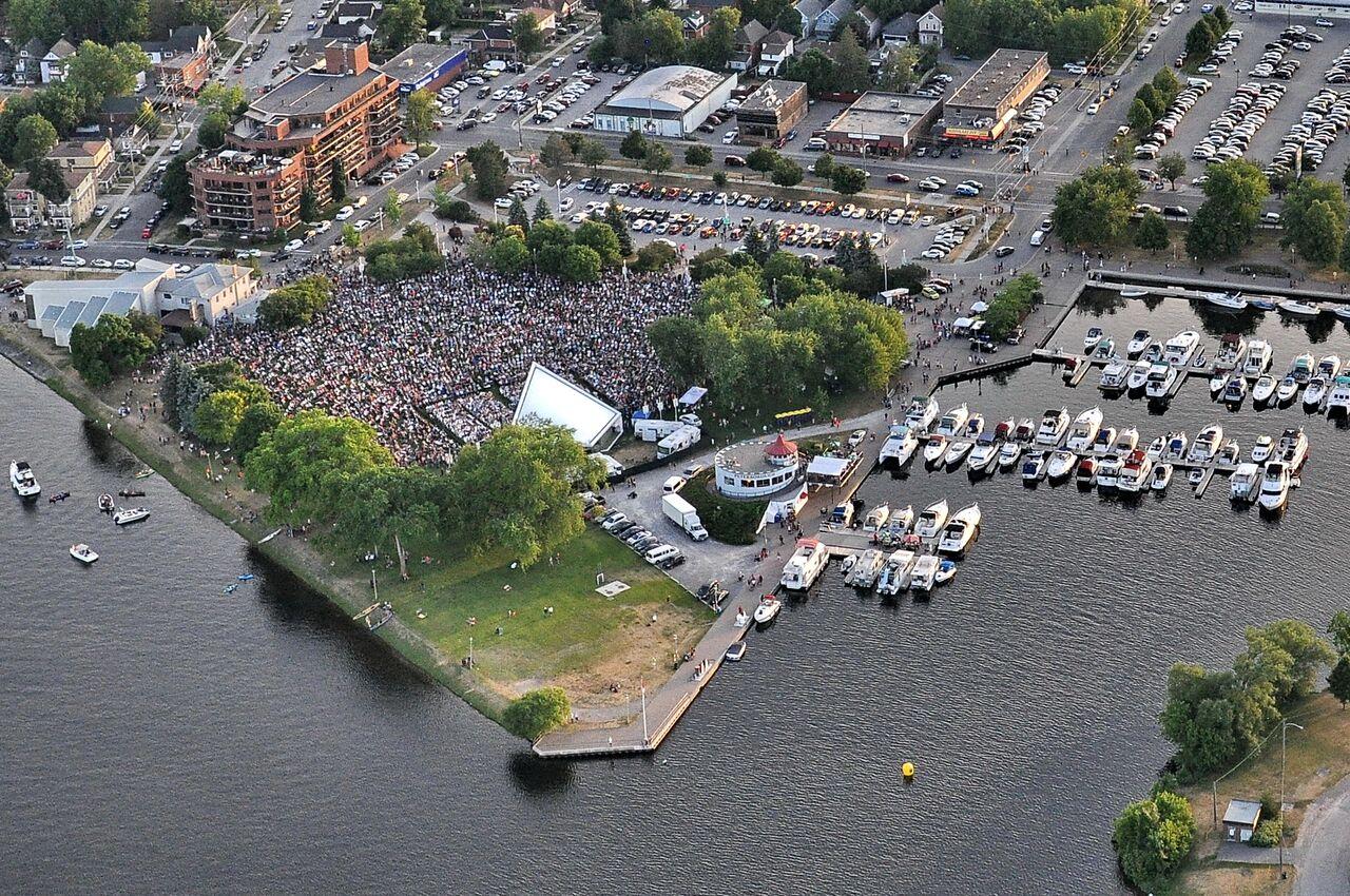 Serena Ryder concert aerial