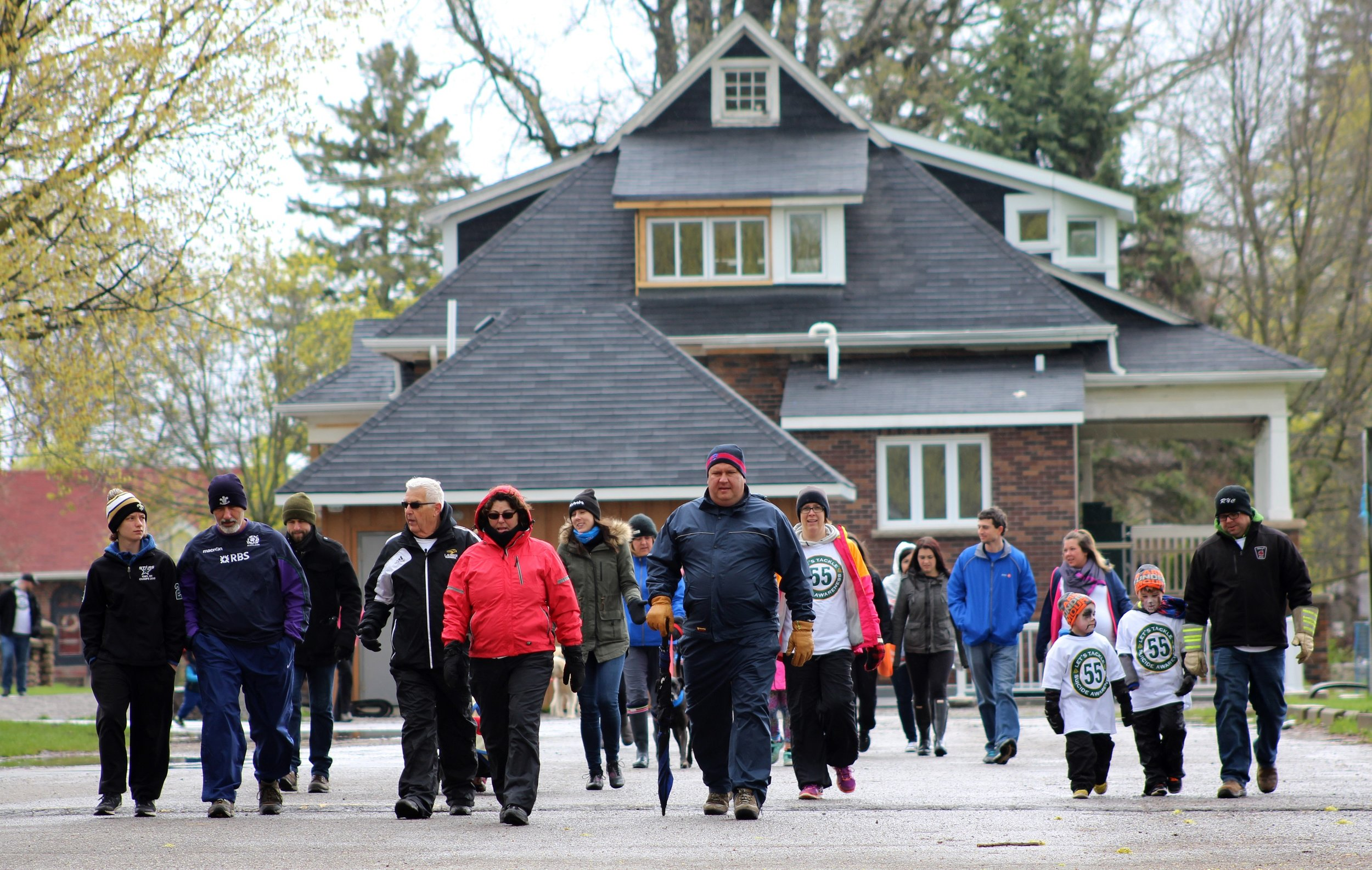 Walkers make their way around the route, braving the cold Weather. (Photo by Daniel Sky Morris)