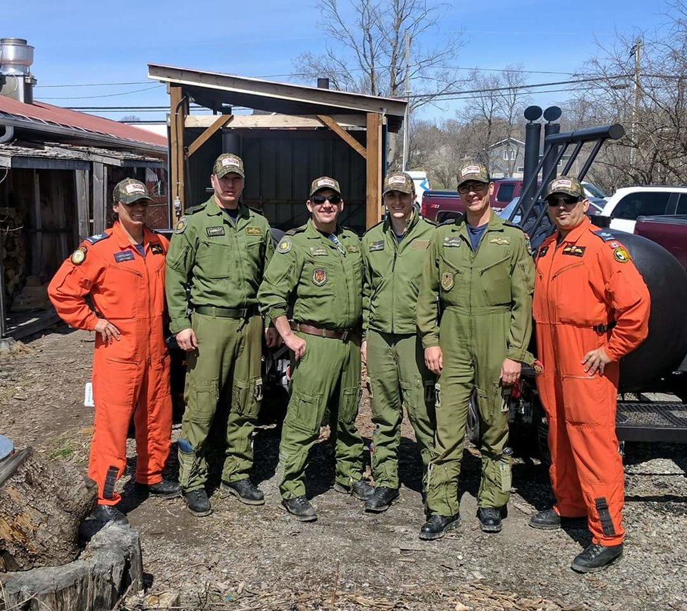 Trenton crew that landed near Muddy's April 13th, 2017. Picture via  @MuddysPitBBQ