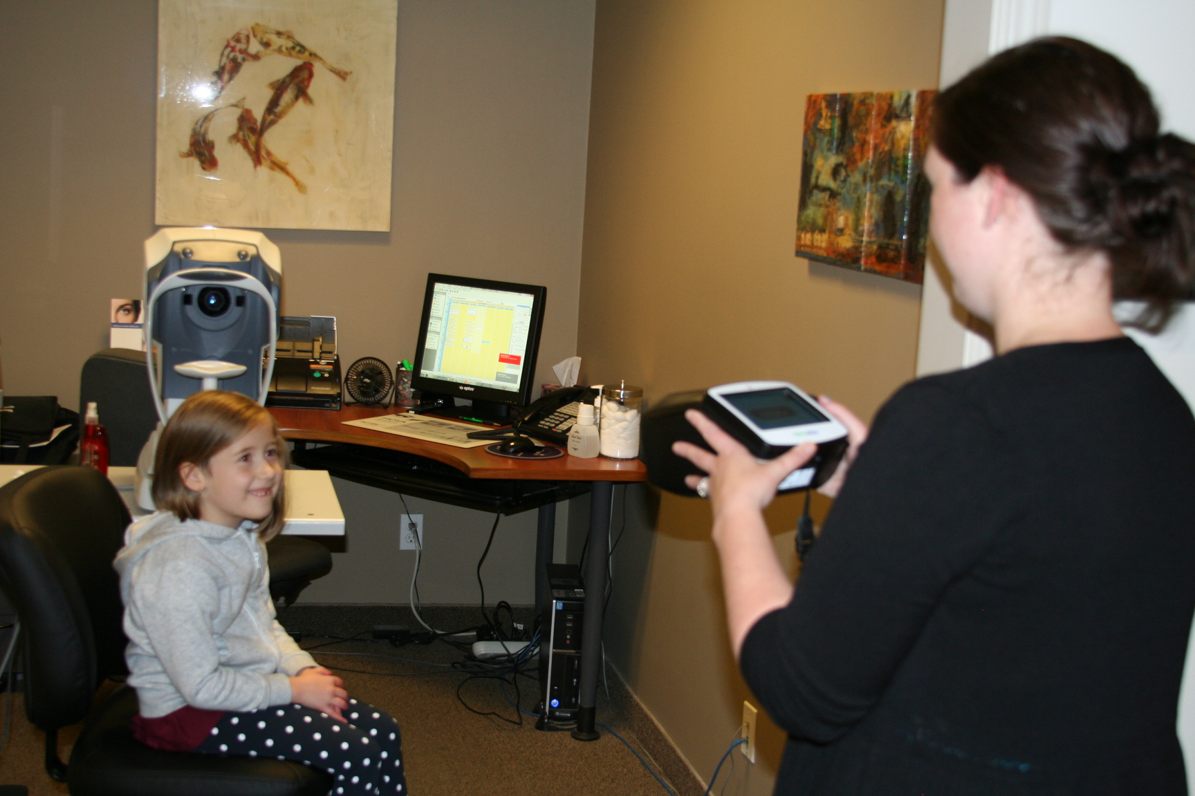Using Peterborough Optometric's handheld auto-refractor, patients can have an accurate estimation of their potential need for glasses. The machine is easy to use and a reading is generated in no time at all.
