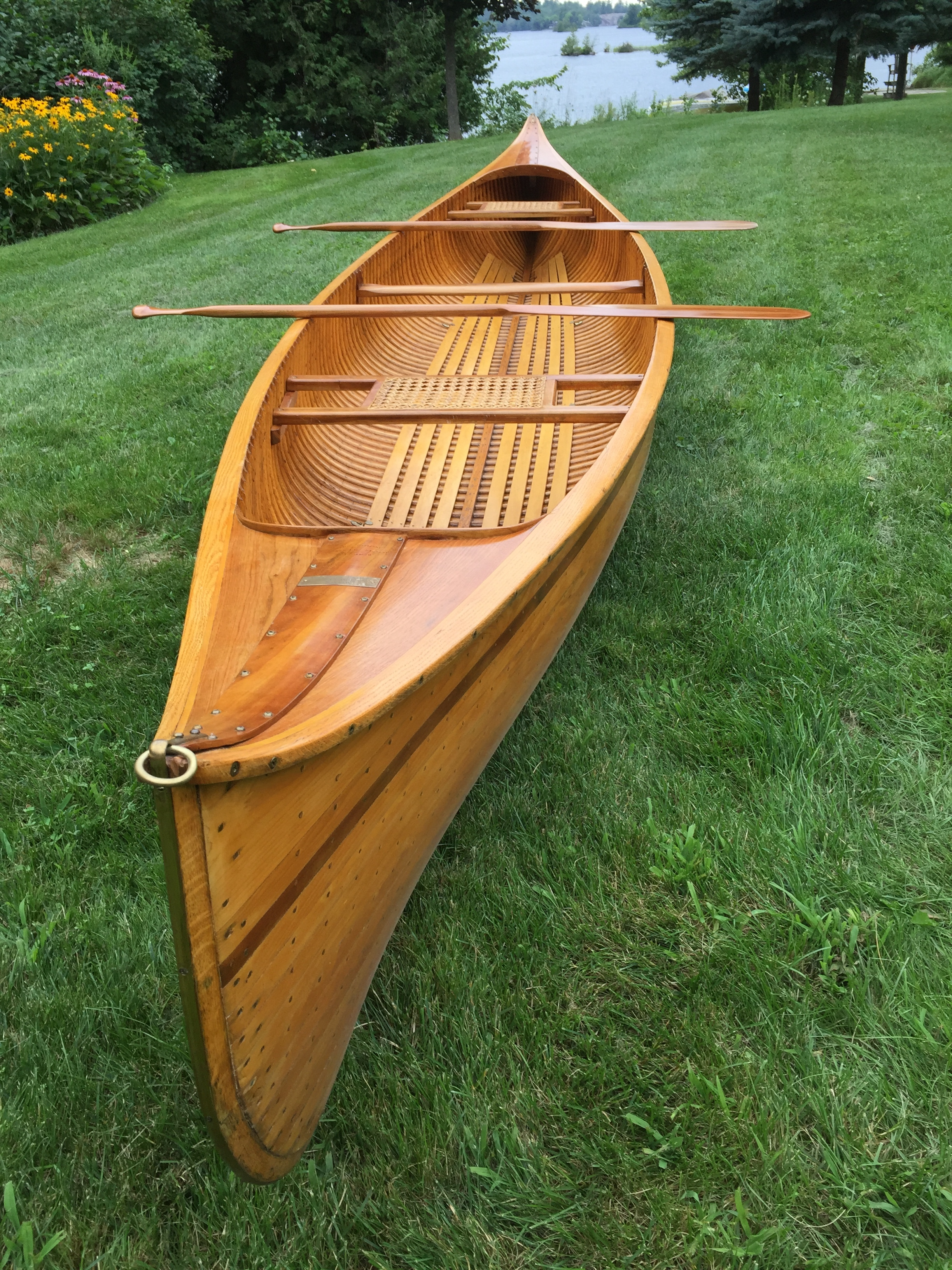 Walter Walker cedar-strip canoe (Photo courtesy Canoe Musuem)