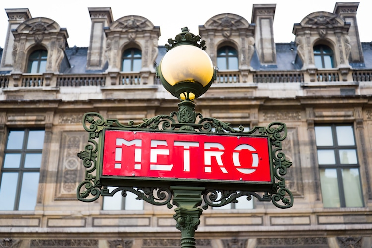 paris-metro-entrances-4.jpg