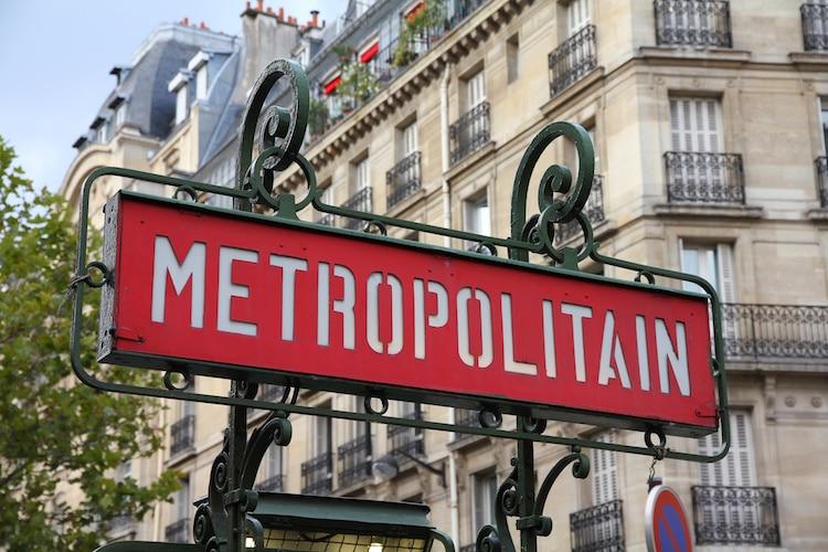 paris-metro-entrances-6.jpg