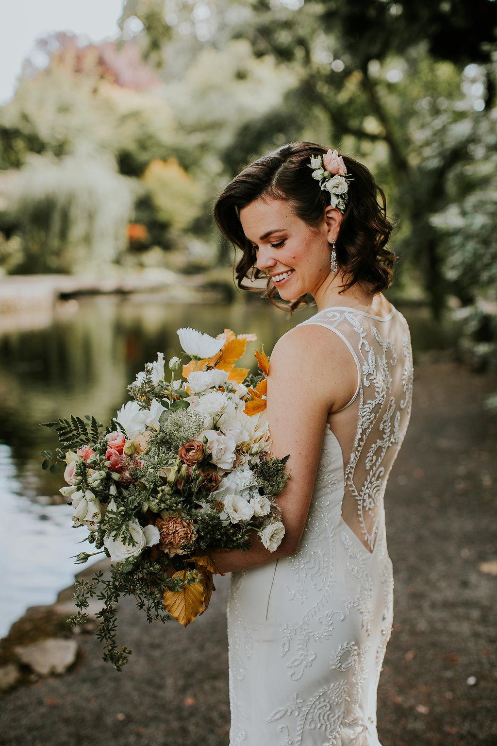 blush fall bridal bouquet and hair comb