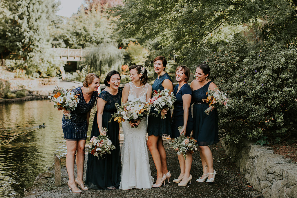 Navy white and blush wedding flowers in Portland Oregon