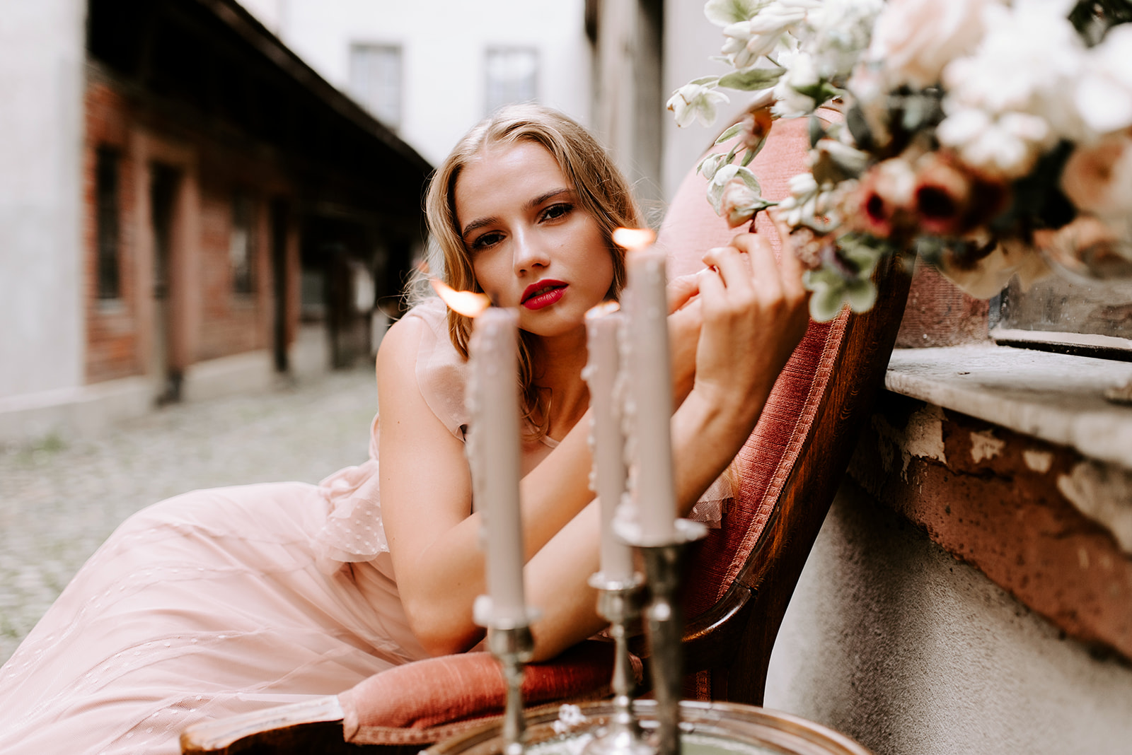 SuzyLouPhotography_RomanceInBloom-111.jpg