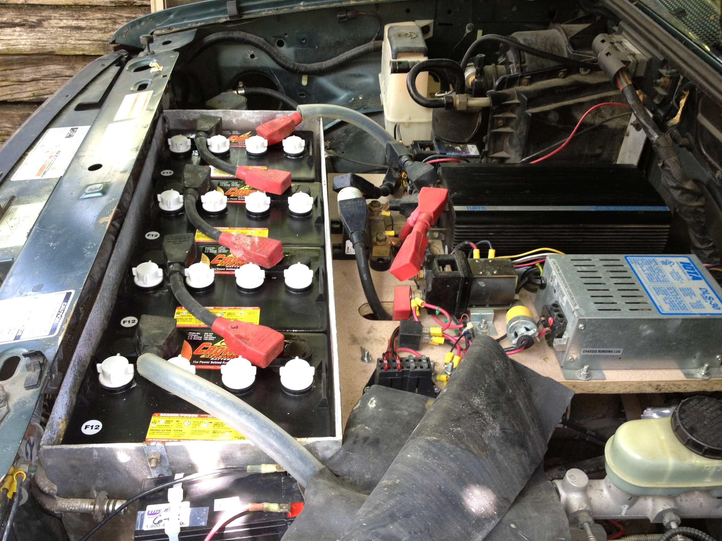 Under the hood of the Electric Ranger 5 years after the conversion with a new battery pack