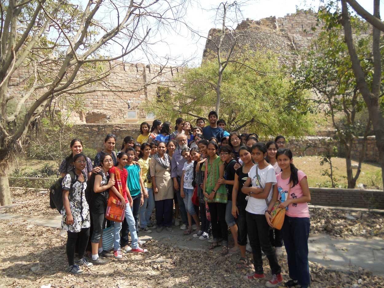 Heritage Walk to Tughlaqabad fort