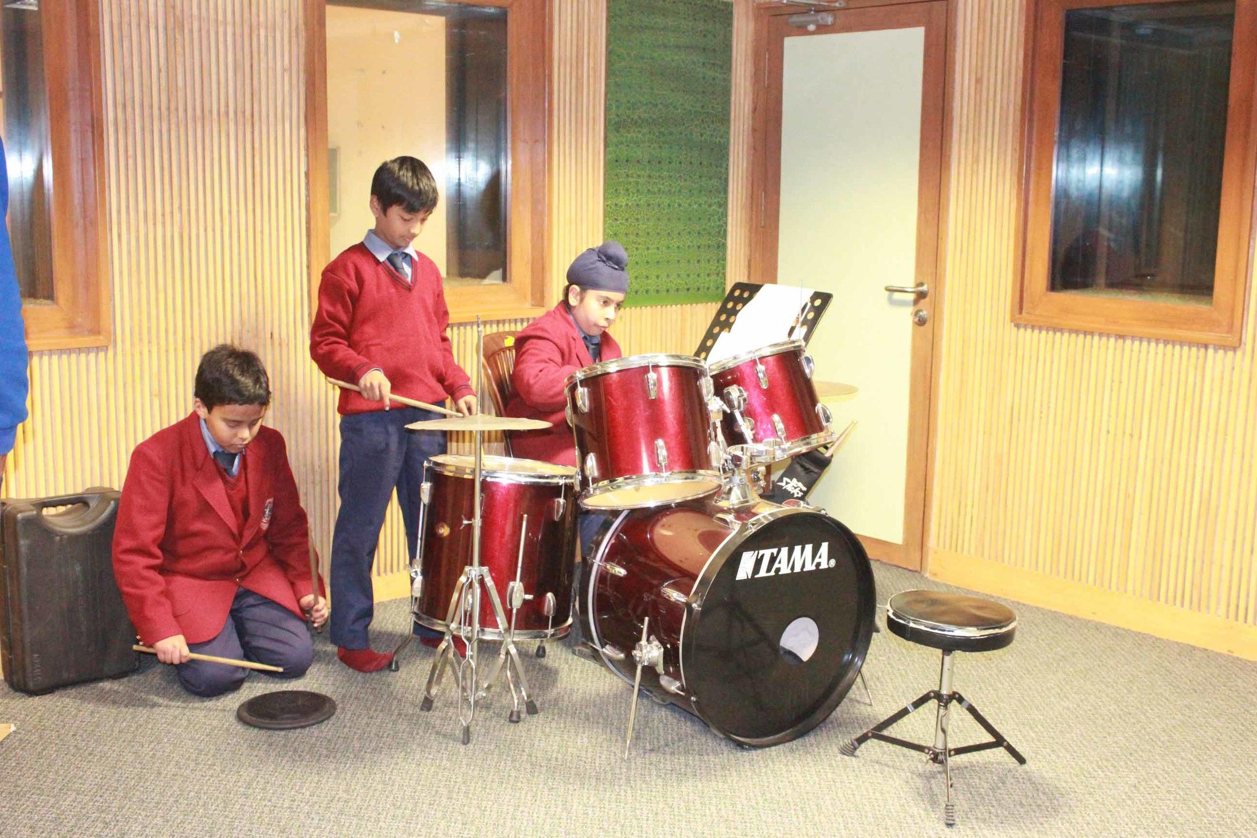 Drums SUPW