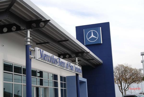 MercedesBenzofSanAntonio07.jpg