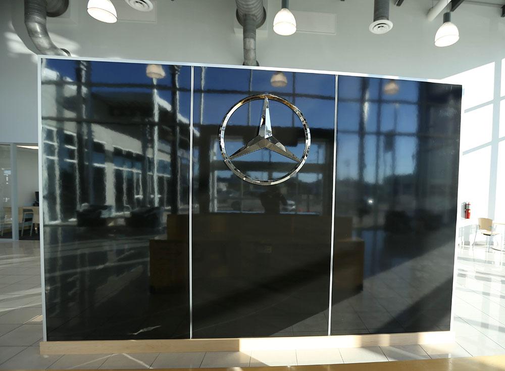 Mercedes-Benz San Antonio 04.jpg