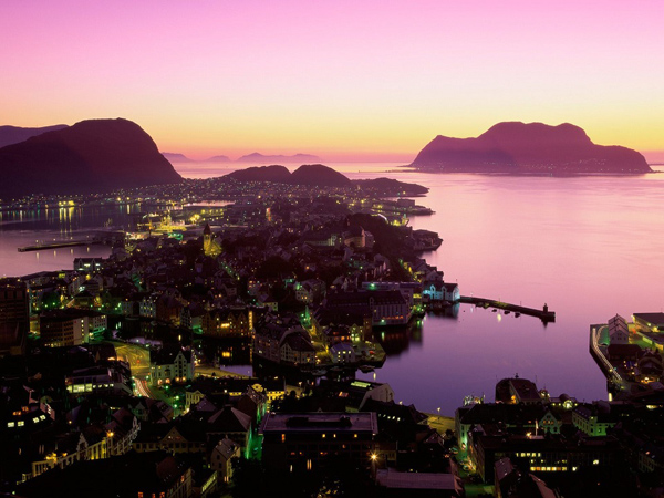 Who doesn't love a sunset?  This one in Norway