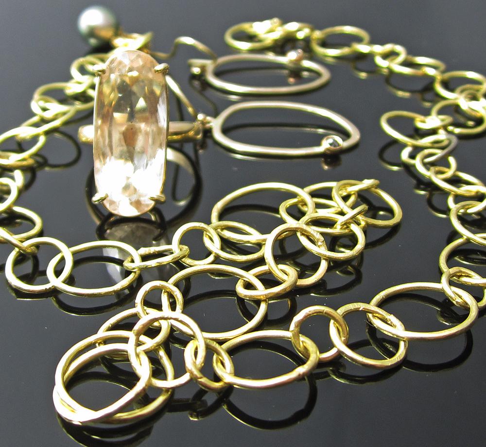 18k Gold jewellery by VIX.