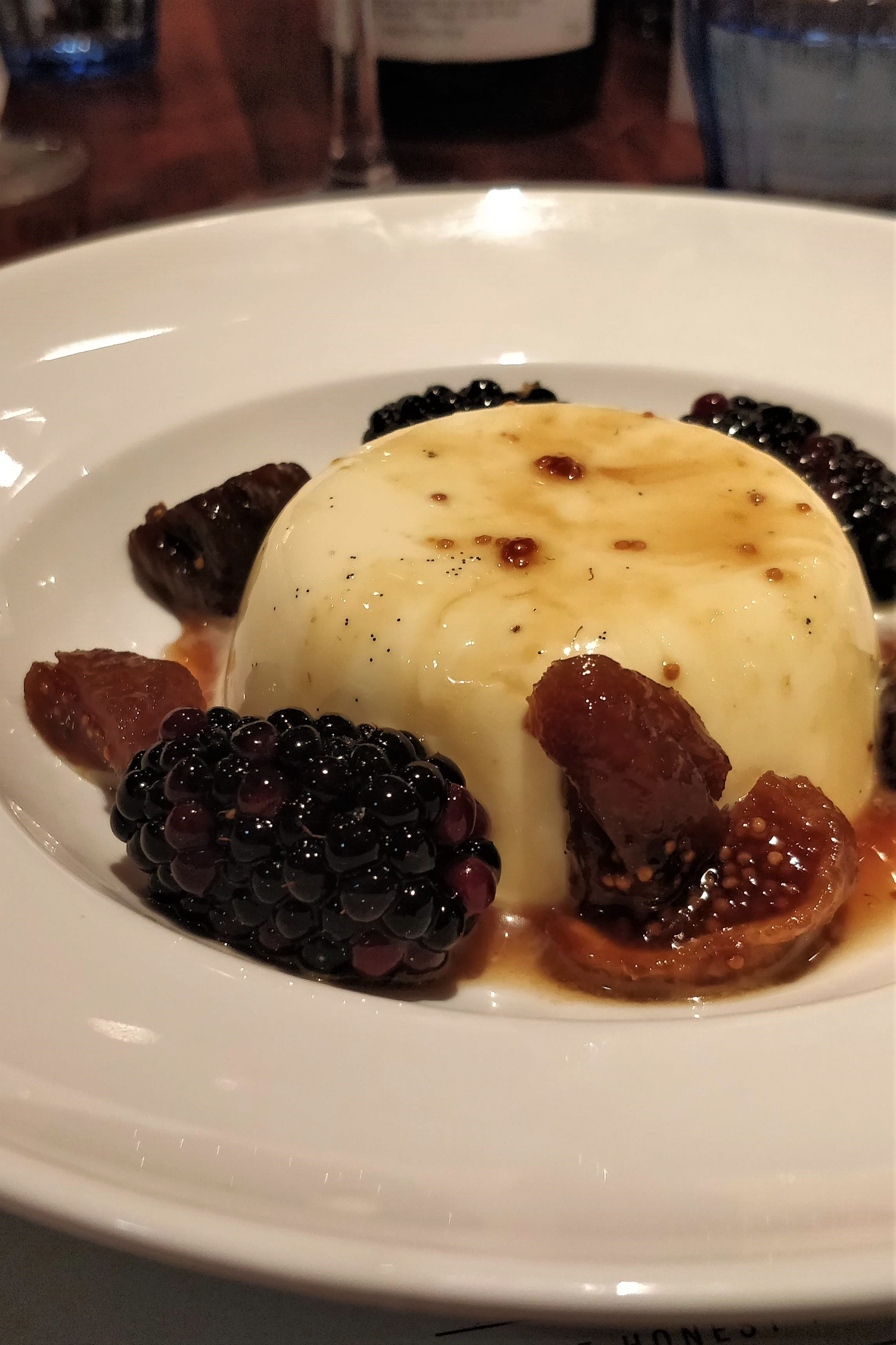 Panna Cotta with Figs and Blackberries