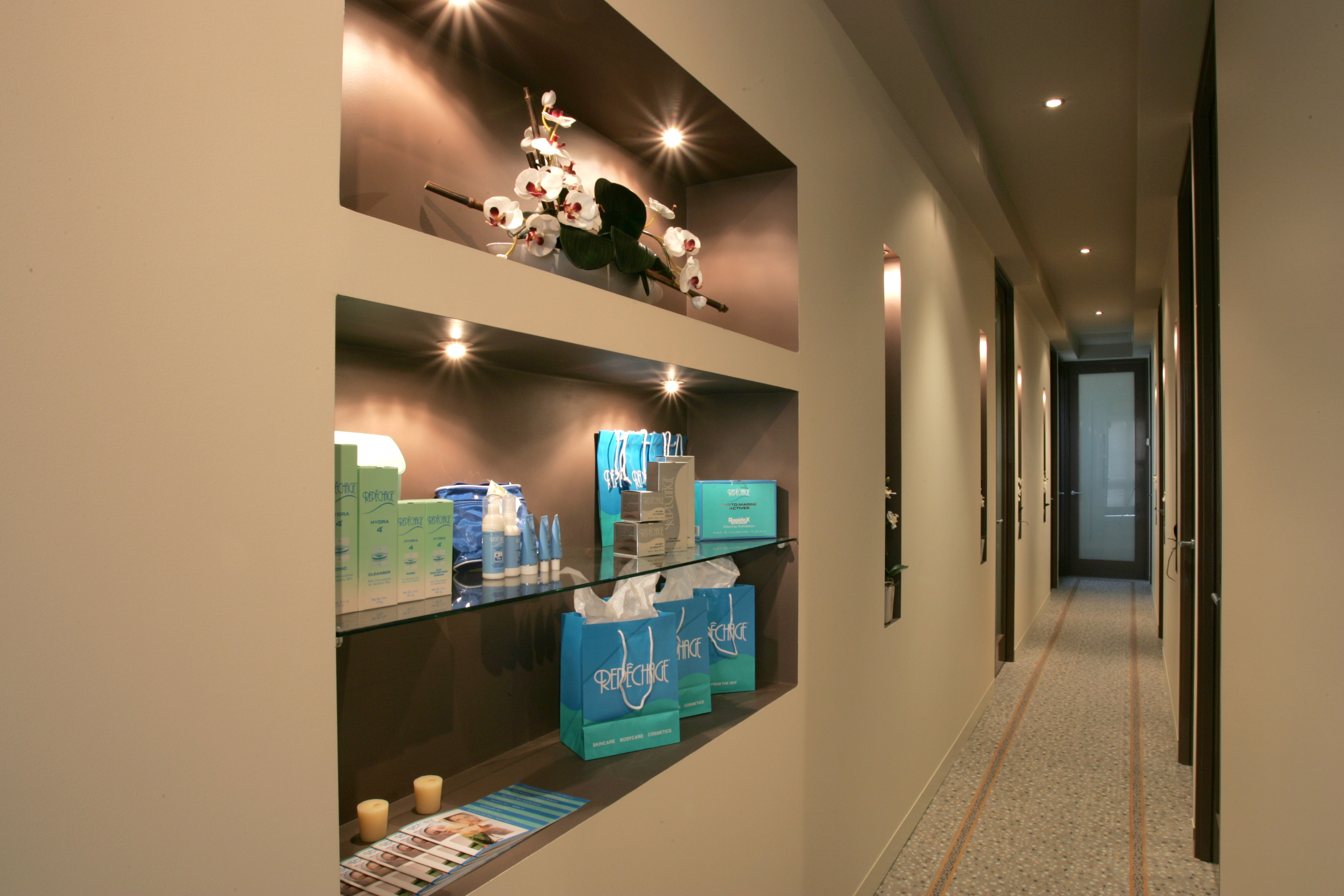 orchid-day-spa-hallway.JPG