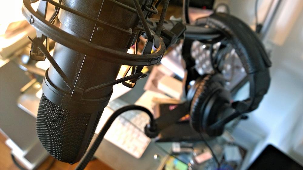 mic_studio.jpg