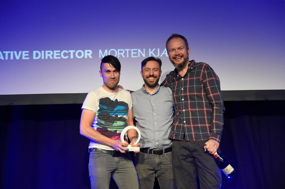 Claus Collstrup, Peter Dubienko og Morten Kjær fik sølv i Creative Circle Awards '14 i 'Art direction' for Laser Tatoo Removal, som du ser længere oppe.. (den med kraniet)