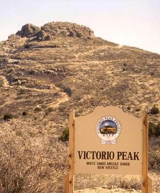 El Misil Automagico Vic+peak+sign
