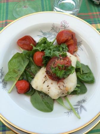 Havtaskekæber med syltede tomater på spinat