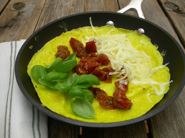 Omelet med soltørrede tomater