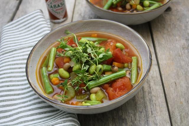 Vegatar-minestrone med 3 slags bønner