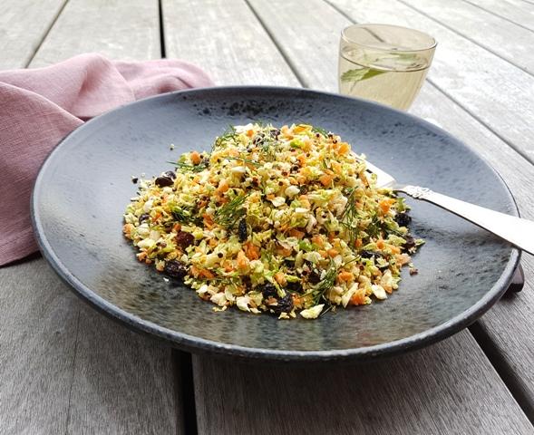 Salat med rosenkål og quinoa
