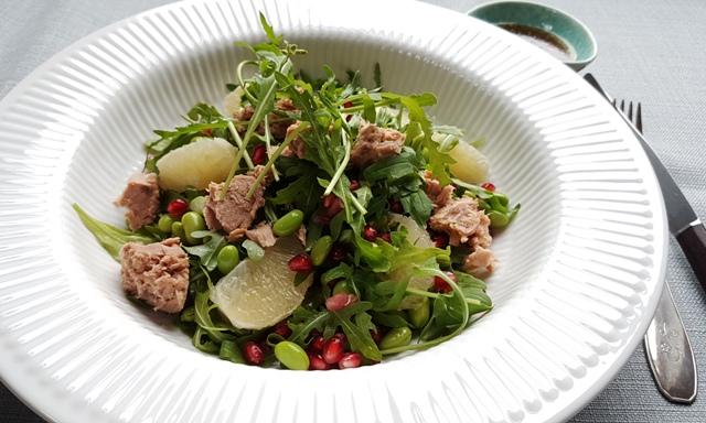 Salat med edamame bønner og tun
