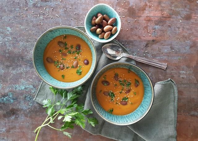 Suppe med røde linser og sød kartoffel