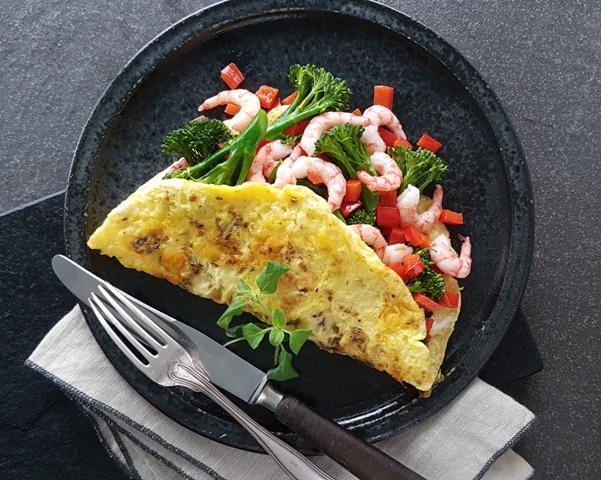 Omelet med rejer og grønt