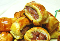 Mini Sausage Rolls Photo : Jackie Cameron