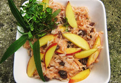 Spicy Rice Salad with Fresh Nectarine Slices, Homemade Aioli and Raisins  Photo : Jackie Cameron