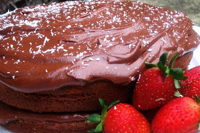 Chocolate Sponge Cake Photo : Jackie Cameron