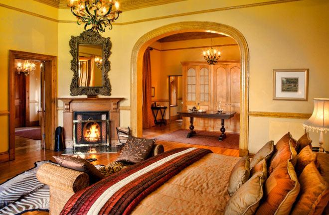 moor-suite-hartford-house-1.jpg
